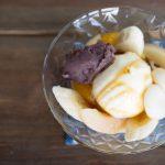 バニラアイスとフルーツとあんこの組み合わせ。